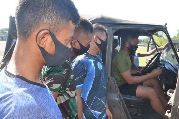 Prajurit tidur dalam Yonhow 2 Mar, Laksanakan Latihan Mengemudi