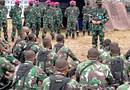 Kepala Staf Korps  Marinir Meninjau Pelaksaan Latihan Pratugas Satgasmar PAM Puter XXIV Wil.Barat di Puslatpurmar 8 Teluk Ratai.