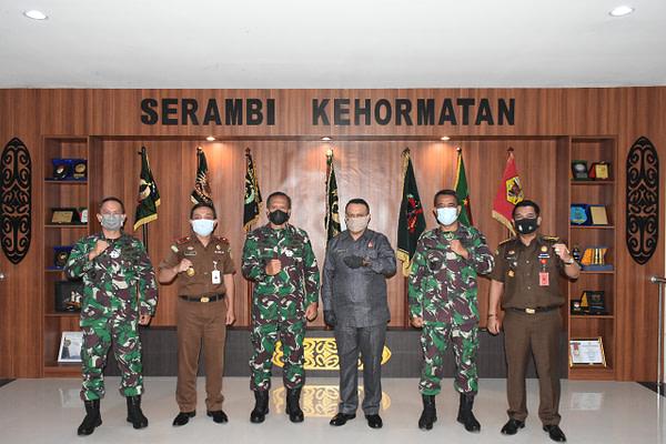 Pangdam XVIII/Kasuari Terima Kunjungan Kajati Papua Barat