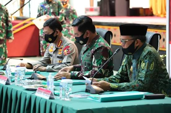 Panglima TNI : Strategi Intervensi Berbasis Lokal Perangi Pandemi Covid-19