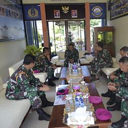 Pererat Silaturahmi Komandan Puslatpurmar 5 Baluran Berkunjung Ke Lanal Banyuwangi