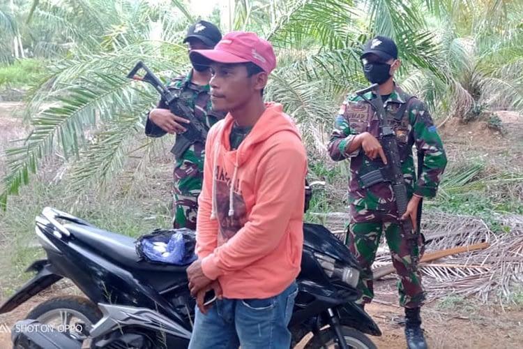 Prajurit Brigif 2 Marinir Satgasmar Ambalat XXV dan Tim SFQR Lanal Nunukan Tangkap Pengedar Narkoba