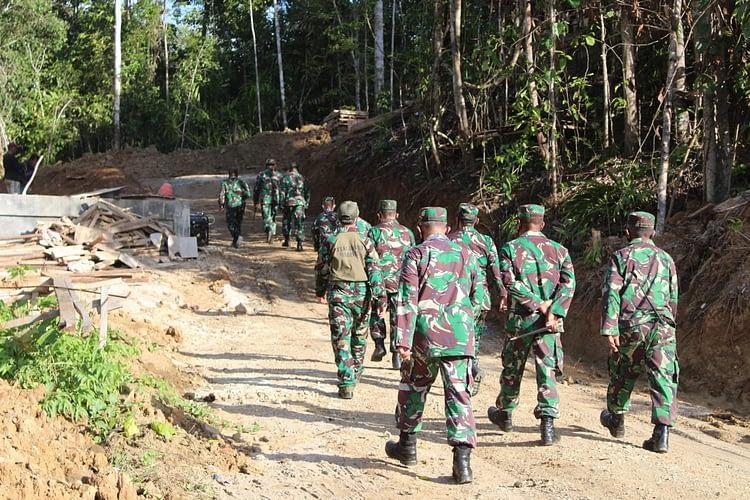 Danpasmar 3 Tinjau Kesepian Lahan Puslatdiksarmil Wilayah Sorong