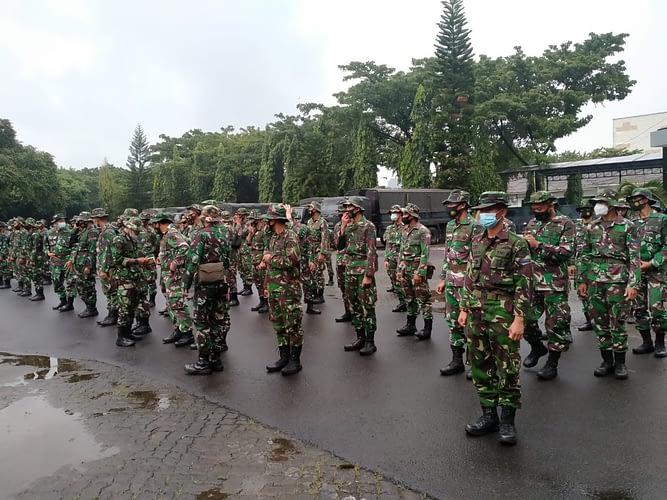 Marinir TNI AL Berangkat ke Karawang Bantu Korban Banjir
