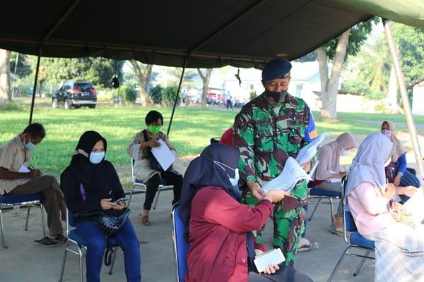 Hingga Kini, Remaja Dan Masyarakat Lampung Terus Antusias Ikuti Vaksinasi Di Lanud Pangeran M. Bun Yamin.