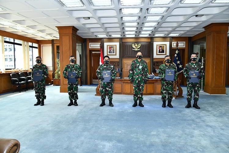 Laporan Kenaikan Pangkat Enam Pati TNI AU