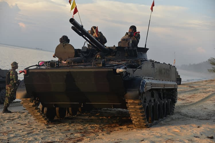Pasukan Marinir Rebut dan Kembalikan Dabo Singkep ke Pangkuan Ibu Pertiwi