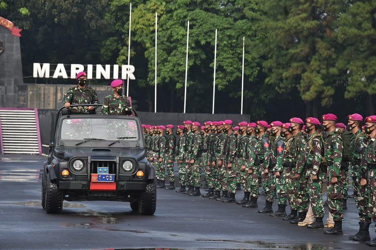 Korps Marinir TNI AL Selesaikan Tugas Kemanusiaan Evakuasi Korban Banjir dan Gempa