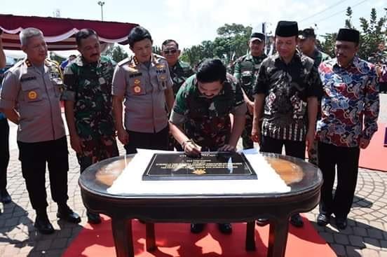 Panglima TNI Resmikan Monumen Pesawat MiG-17 Fresco di Banyumas