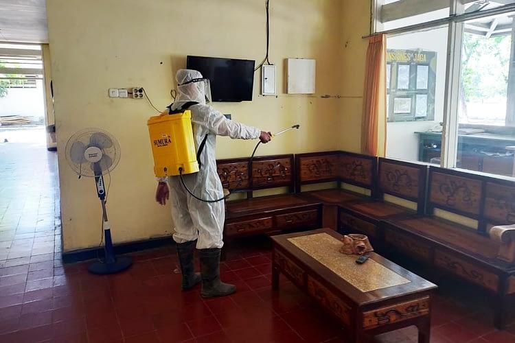 Kima Brigif 2 Marinir Rutin Laksanakan Penyemprotan Disinfektan