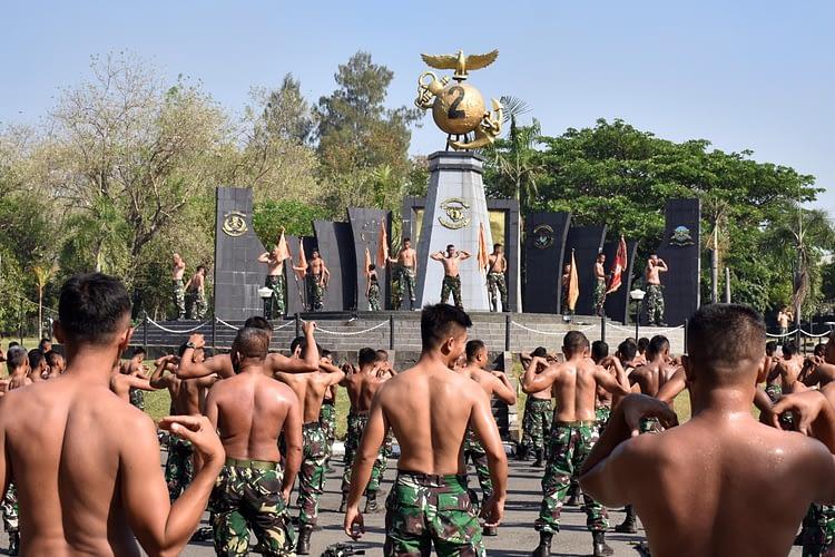 Danmenart 2 Marinir Pimpin Apel Organik di Gun Park