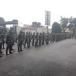 Selain ke Kerawang, Marinir TNI AL juga Bantu Korban Banjir di Bekasi