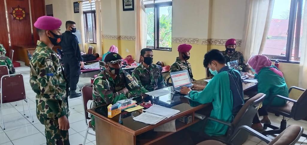 Yonmarhanlan Ii Ikuti Donor Darah Peringati HUT ke-75 Koprs Brimob Polri Satuan Brimob Polda Sumbar