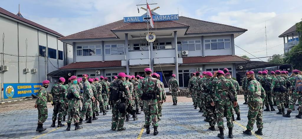 Satgas Kemanusiaan Banjir di Kalimantan Selatan Dinyatakan Selesai Prajurit Korps Marinir TNI AL Melaksanakan Swab Test Antigen