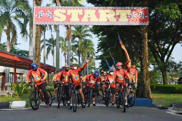 Komandan Pasmar 1 Gelar Fun Bike Bersama Pejabat Utama Pasmar 1