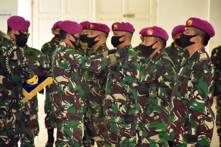 Kolonel Marinir Aris Budiadi Resmi Jabat Komandan Resimen Artileri 2 Marinir