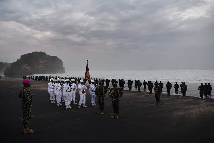 186 Prajurit Muda Siap Bertugas Setelah Resmi Menyandang Baret Ungu Kebanggaan Korps Marinir