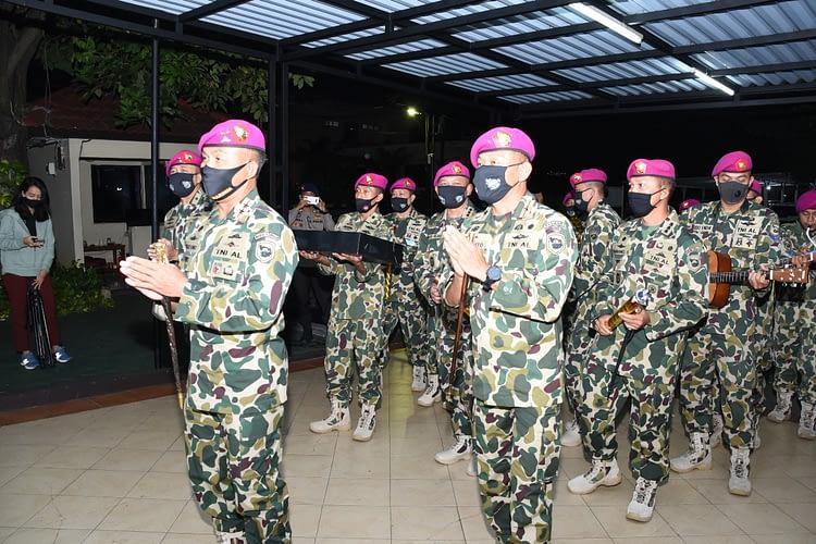Kejutan Dankormar untuk Korps Brimob di HUT Ke 74 Bhayangkara