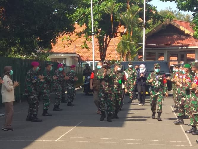 Danyonkes 1 Mar Bersama Tenaga Medis RSDC Wisma Atlet Berbagi Pengalamannya Kepada RSLDC Surabaya
