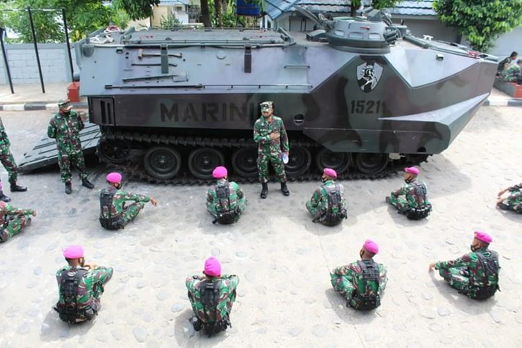 Prajurit Yonif 6 Marinir Laksanakan Naik Turun Ranpur