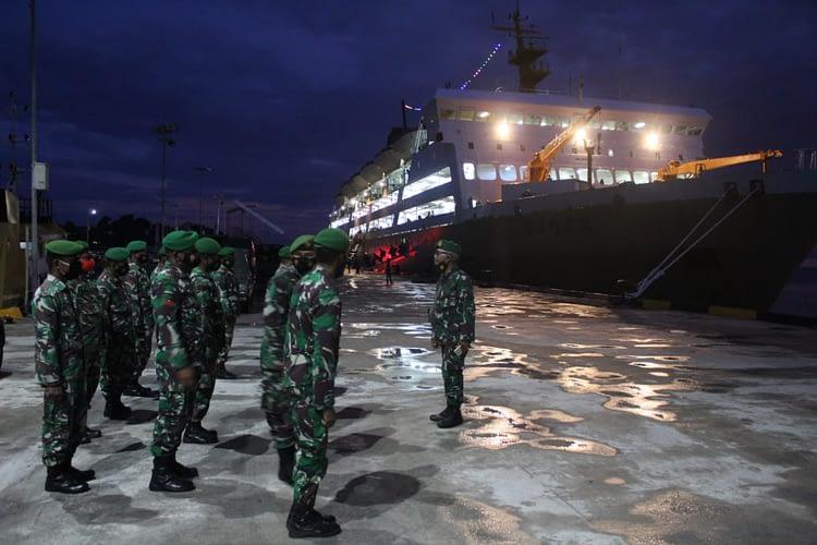 56 Personel Satgas Pamrahwan Yonif RK 762/VYS Tiba di Kaimana