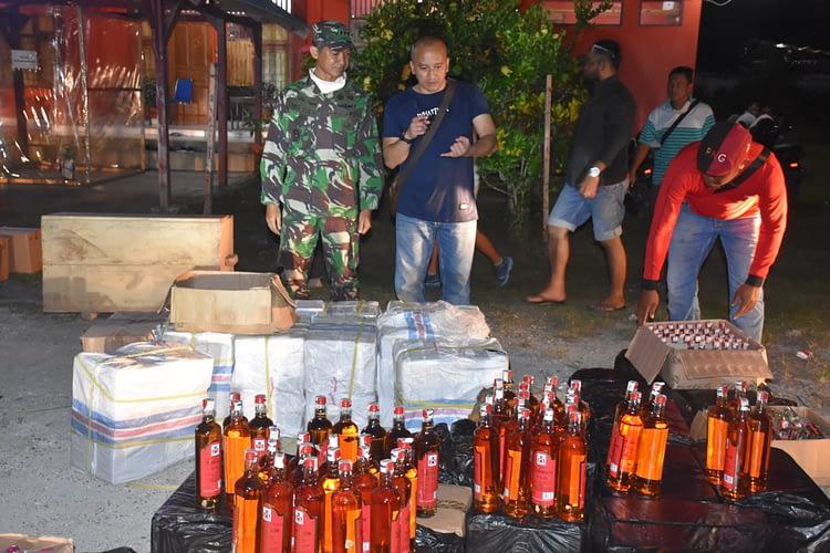 Kodam XVIII/Kasuari dan Polda Papua Barat Berantas Miras, Ini Hasilnya.