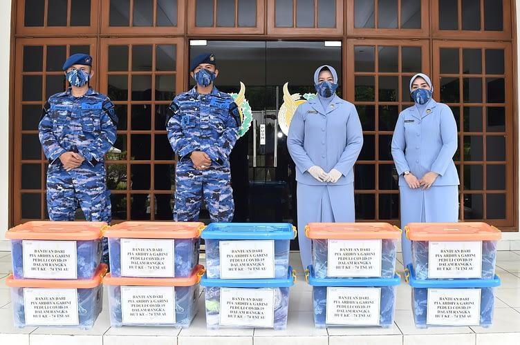 Bantu Cegah Penyebaran Covid-19, PIA  Garini Bagikan 2500 Masker