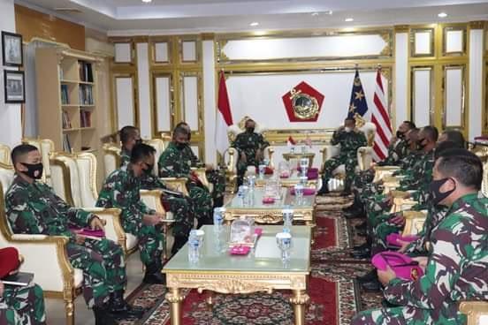 Dankoopssus TNI, Mengunjungi Markas Korps Marinir