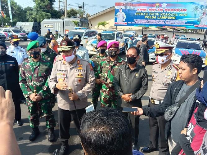 Dan Yonif 7 Mar Letkol Mar Budi Wijani,M.Han Mewakili Komandan Brigif 4 Mariniri/bs Dalam Apel Gelar Pasukan Operasi Patuh Krakatau 2020
