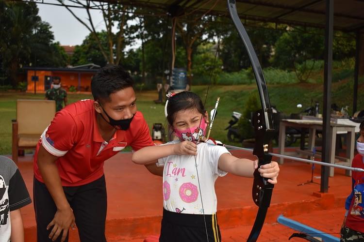 Atlet Mac Yonif 2 Brigif 1 Marinir Latih Anak-anak