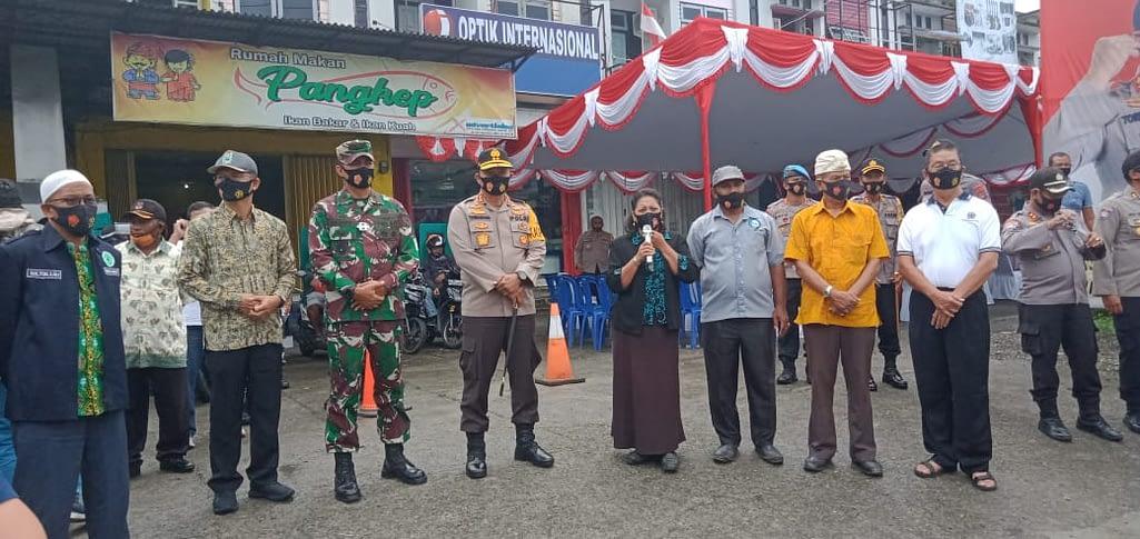 Aksi Bagi-Bagi APD, Sinergitas Kodam XVIII/Kasuari dan Polda Papua Barat