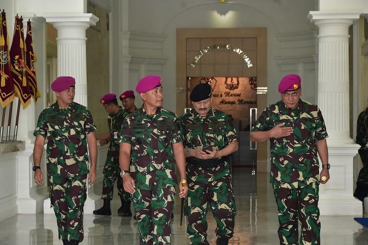 Dankormar Menerima Acara Tradisi Kenaikan Pangkat Perwira Tinggi Korps Marinir