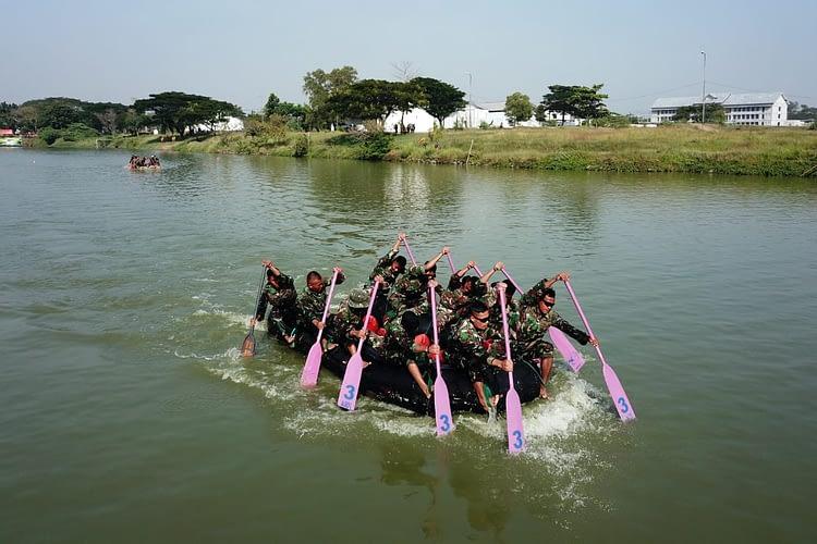 Danmenart 2 Marinir Melepas Lomba Dayung Perahu Karet Try Out Binsat