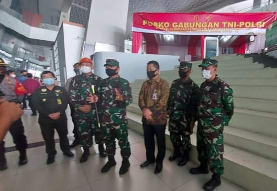 Pangkogabwilhan I Kunjungi Posko Gabungan TNI-Polri Satgas Covid-19 di Bandara Soeta