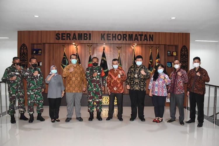 Pangdam XVIII/Kasuari Terima Kunjungan KPK RI dan KONI Papua Barat