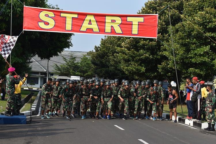 Uji Kemampuan Fisik, Yonif 2 Brigif Marinir Gelar Latihan Cross Country