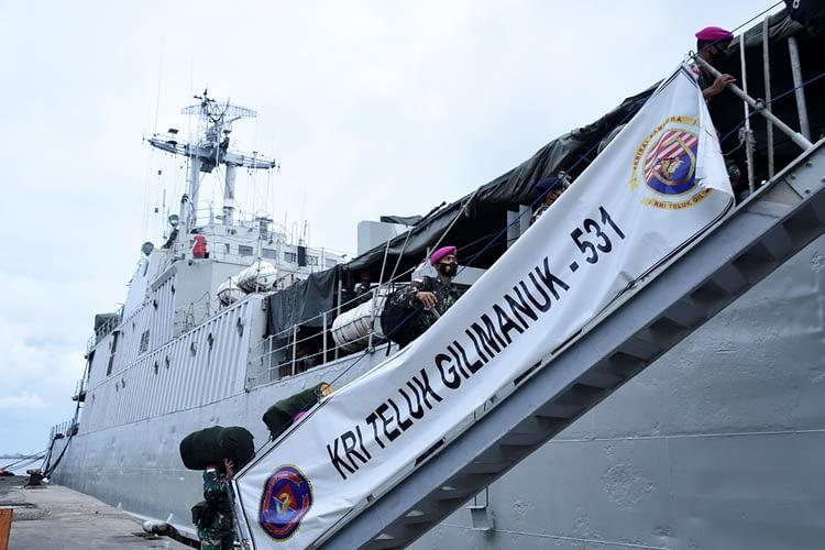 Danpasmar 1 Lepas Keberangkatan Personel Rotasi Kompi Komposit TNI AL Natuna