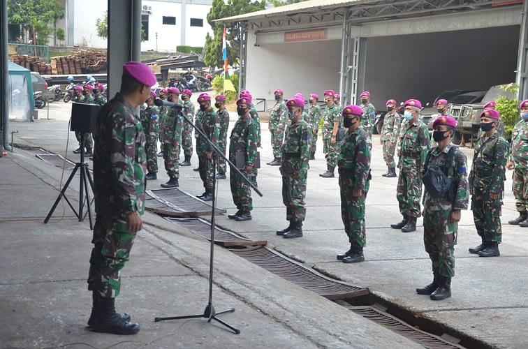 Danlanmar Jakarta Berikan Jam Komandan Kepada Prajurit Dan PNS