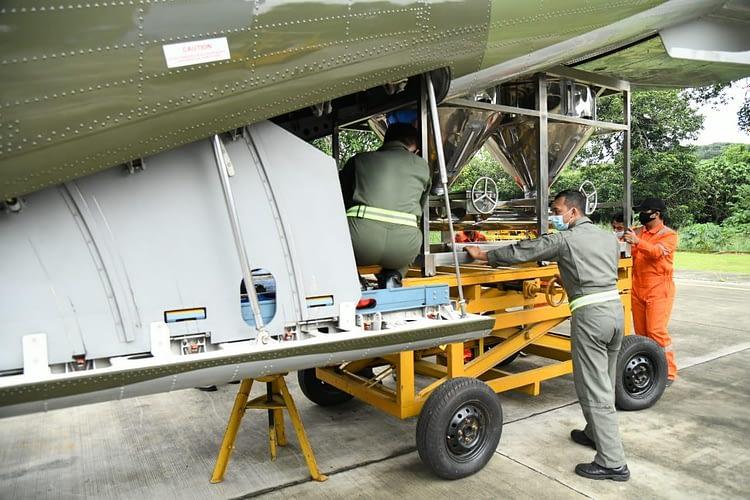 Cegah Banjir, TNI AU Terbangkan Pesawat CN-295 Guna Modifikasi Cuaca