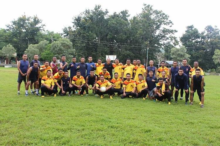 Dalam Rangka Meningkatan Sinergisitas TNI-Polri , Satgas Pamtas 741/GN mengelar Olahraga Bersama