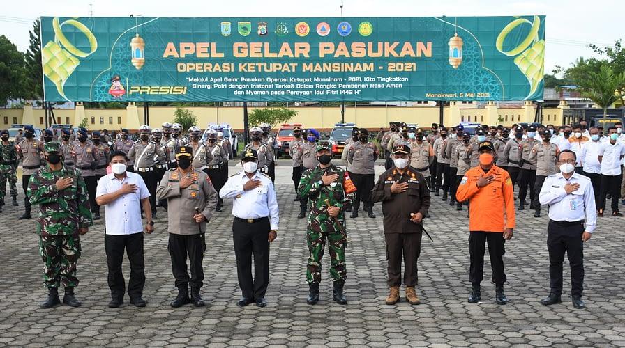 Prajurit Kodam XVIII/Kasuari Ikuti Apel Gelar Pasukan Operasi Ketupat Mansinam 2021