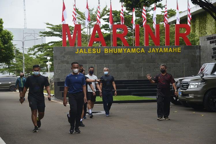 Prajurit Marinir TNI AL Selalu Melaksanakan Swab Antigen dan Olahraga Pagi