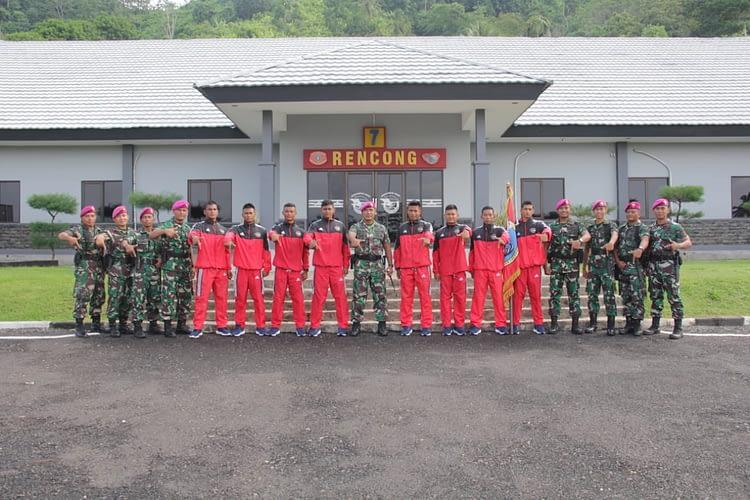 Komandan Yonif 7 Marinir Lepas Atlet Dayung PON ke XX
