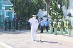 Komandan Kolatmar Pimpin Upacara Ziarah Nasional  Di Tmp Pasuruan