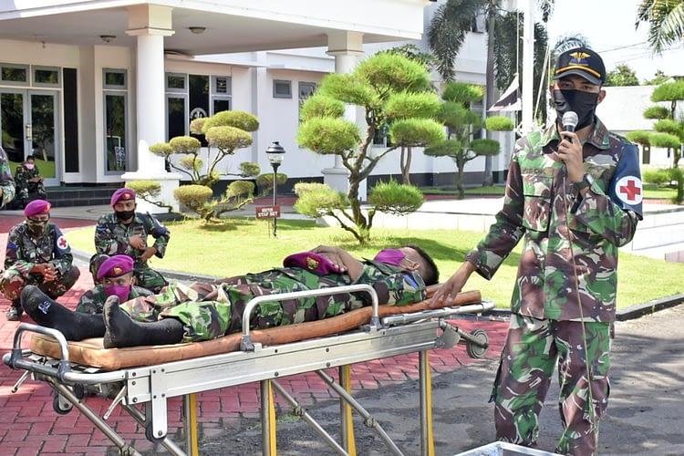 Prajurit Brigif 2 Marinir Ikuti Latihan Evakuasi Pasien Positif Corona