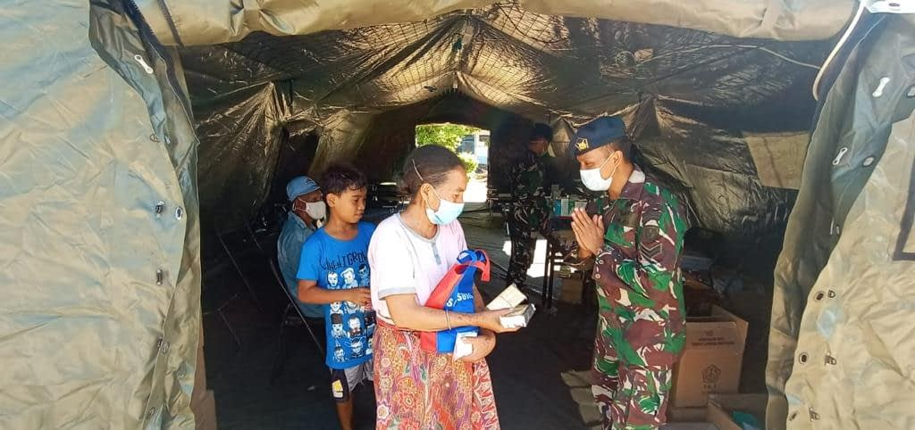 Yonkesau Berikan Layanan Kesehatan kepada Korban Bencana Banjir NTT