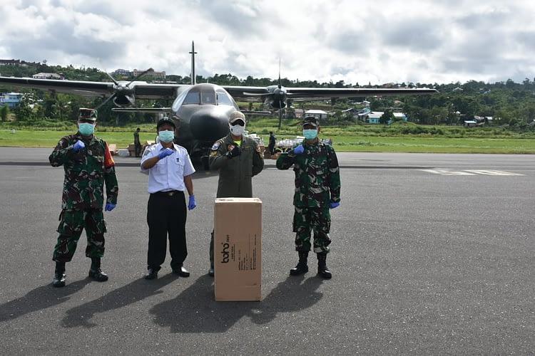 Bantuan 64 Koli APD Untuk Papua Barat Tiba di Manokwari, Kodam XVIII/Kasuari Kembali Bantu Terima