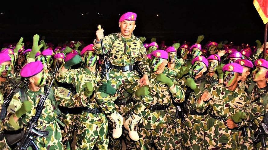 456 Tamtama Remaja Korps Marinir TNI AL Resmi Sandang 'Baret Ungu'