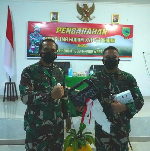 Pangdam XVIII/Kasuari: Kalian Harus Baik-Baik dengan Masyarakat, Hormati Tanah dan Budaya Papua