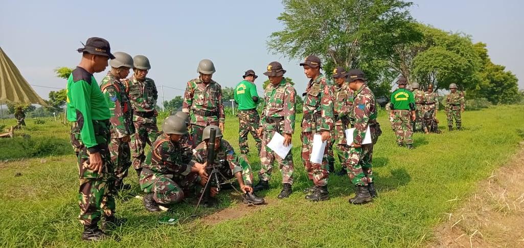 Pelatih Marinir Laksanakan Spesialisasi Senjata Bantuan Infanteri